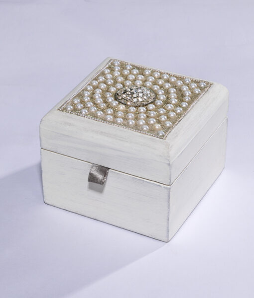 This wooden jewellery box with pearls is smart, elegant, and a great seller.