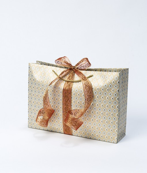 Gift bag cream/gold lotus eyes jumbo is a handmade and eco friendly.