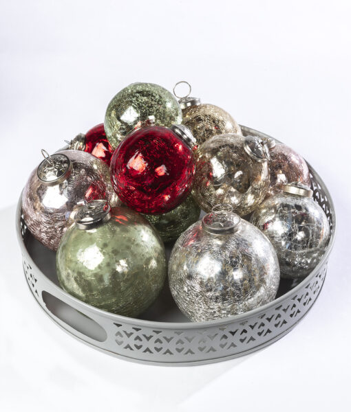 These crackled glass baubles sparkle wonderfully on the Christmas tree.