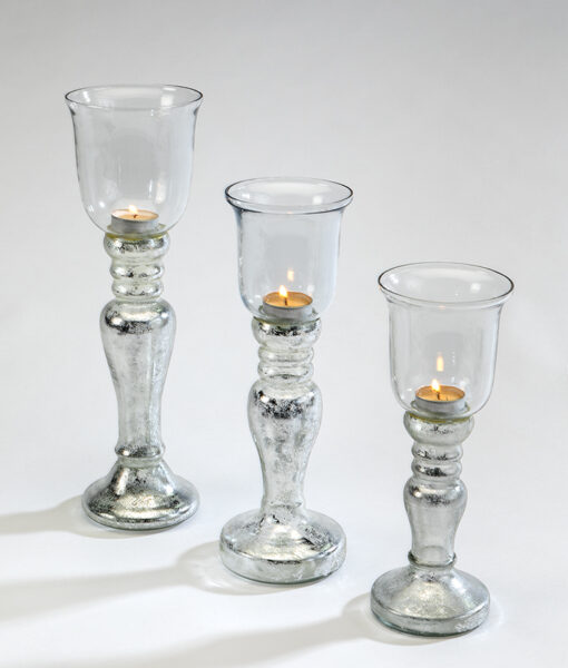 Table top candle holder is perfect to dress a table for a special occasion.