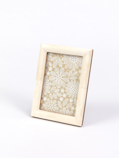 Photo Frame ivory is a lovely gift to capture those special moments in life.
