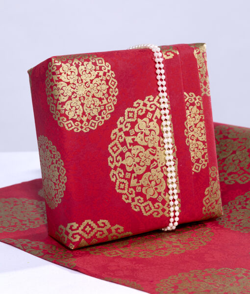 Wrapping paper red medallion is rich, elegant and eco friendly too.