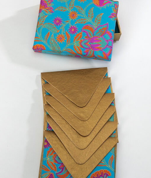 Note card turquoise floral twist is beautiful, & made from eco friendly paper.