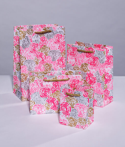 Handmade gift bags pink roses is luxurious and suitable for all occasions.