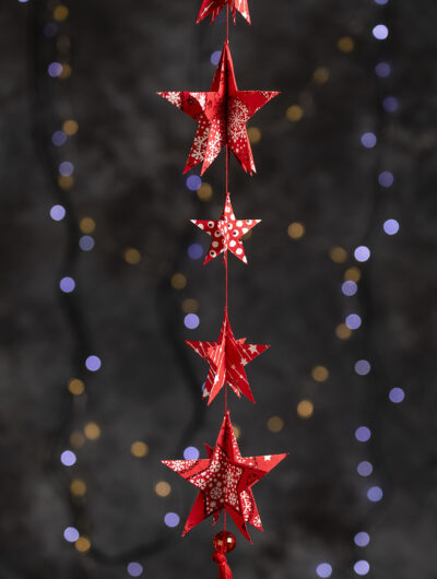 Christmas star paper mobile adds a wow factor to your room decorations.