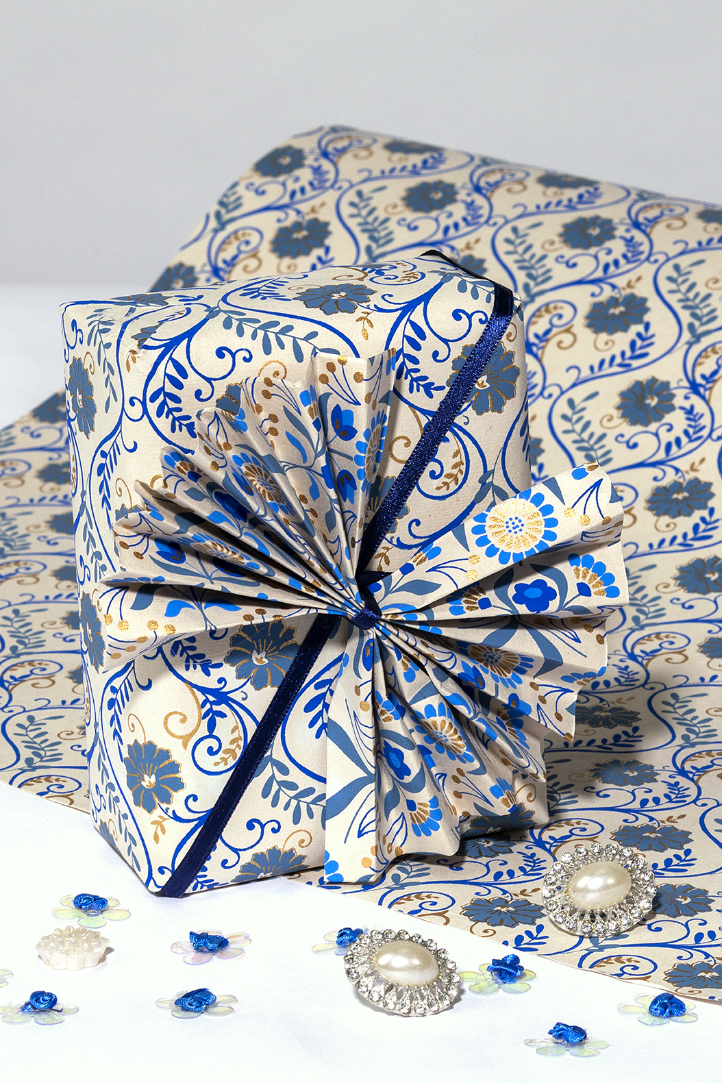Wrapping paper beige/blue floral liana is eco frinedly and handmade