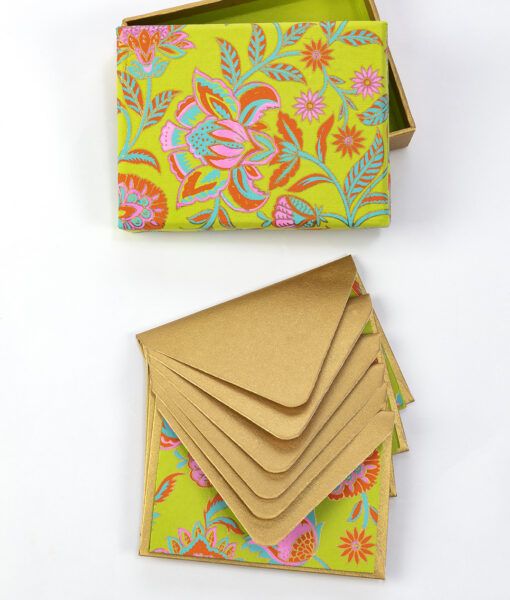 Note card green floral twist is beautiful, and made from eco friendly paper.