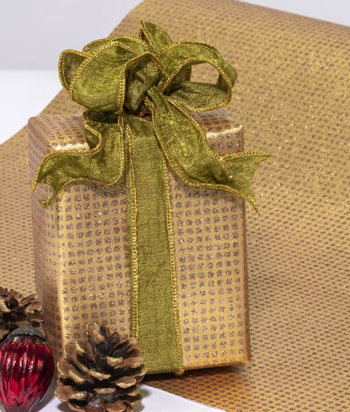 Wrapping paper gold glitter squares is contemporary & sustainable.